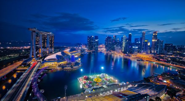Marina Bay, Singapore. (Photo taken by Trey Ratcliff, source: Flickr)